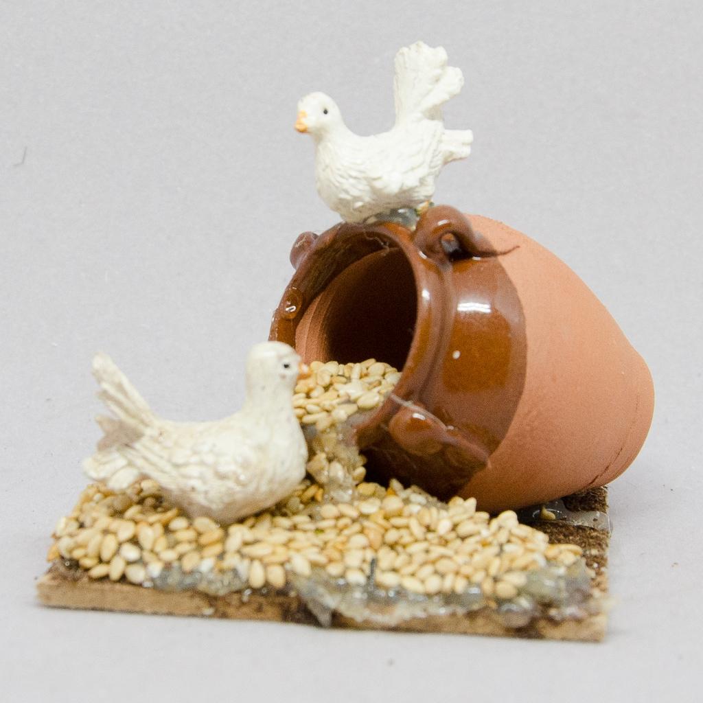 Terrakottakrug mit Tauben und Körner