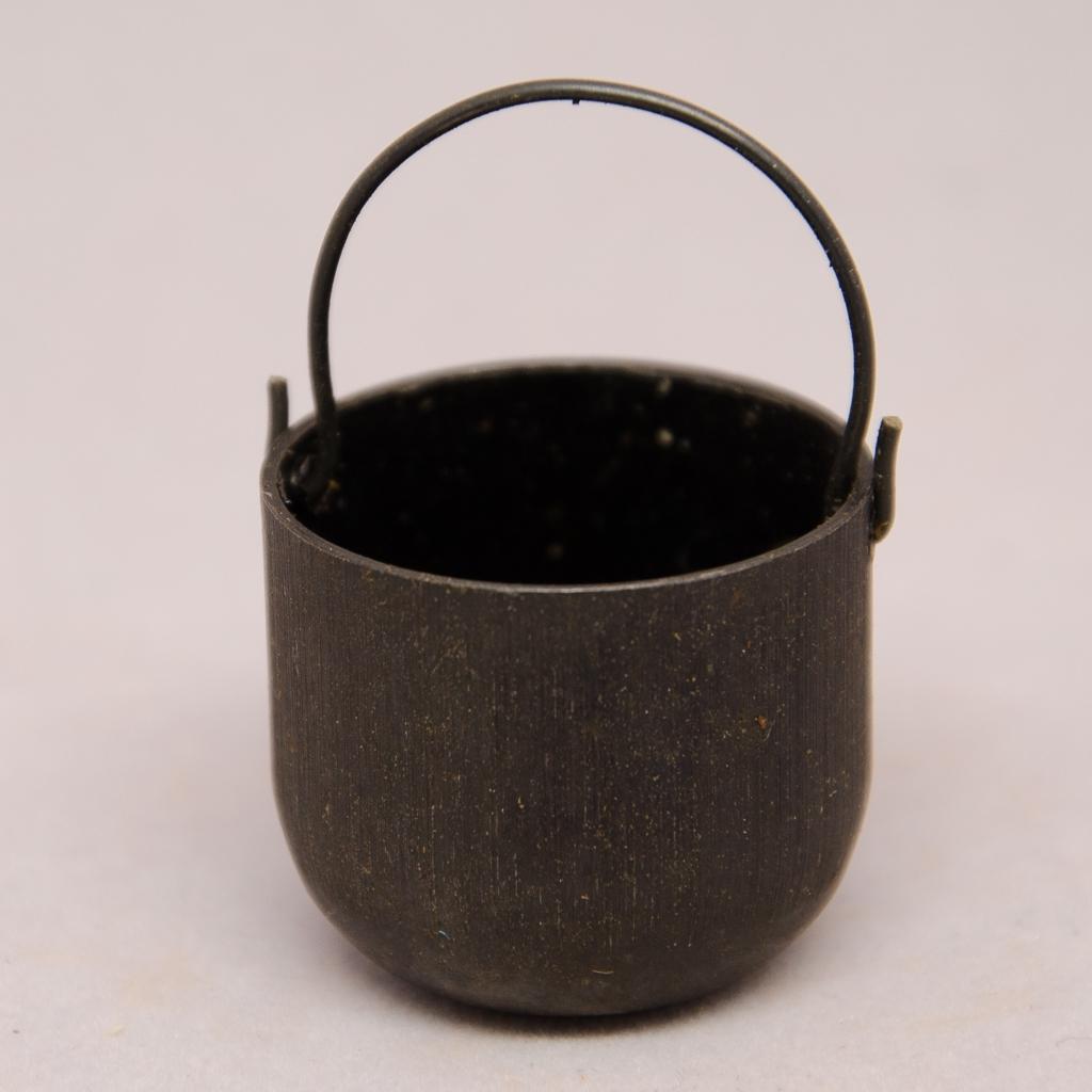 Zinntopf schwarz
