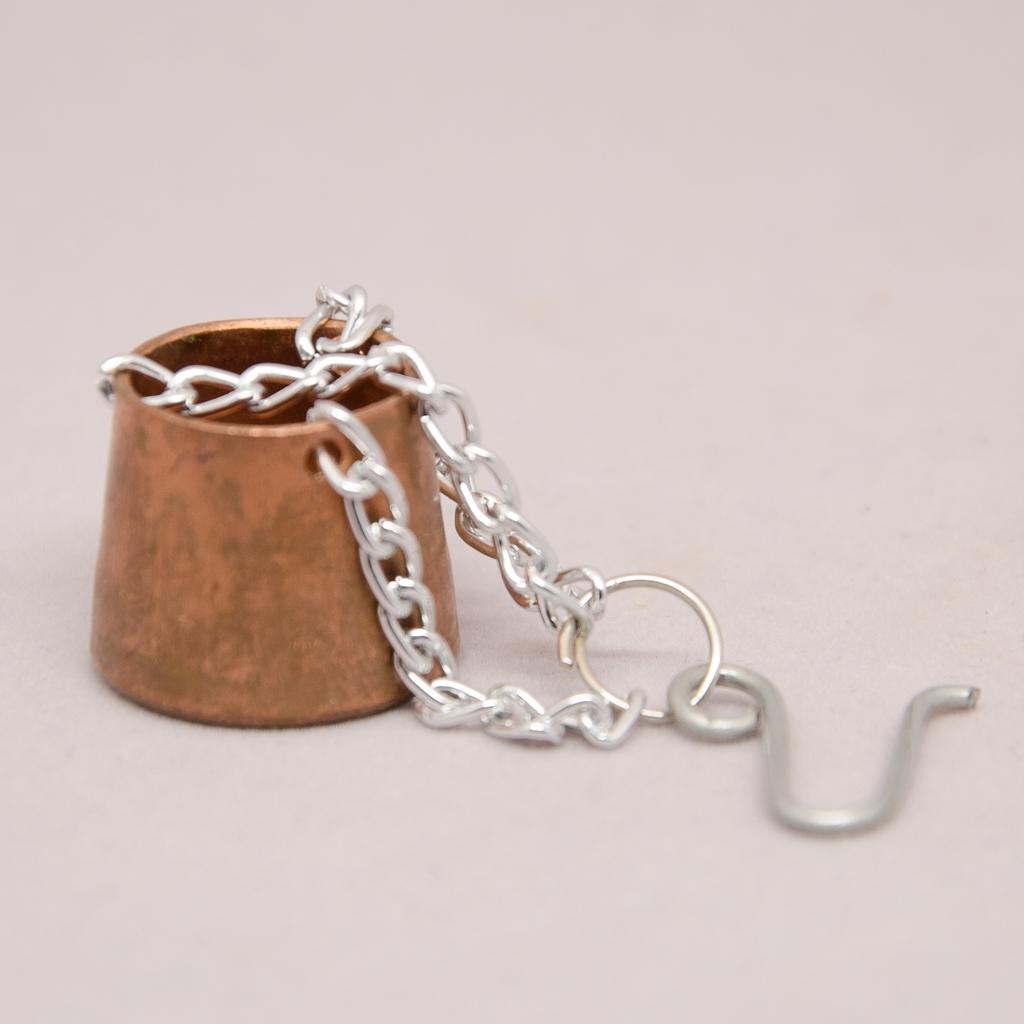 Kupferkübel mit Kette